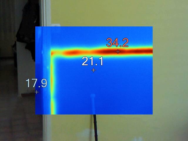 קיר של חדר שלכאורה נראה תמים מכיל בתוכו צינור הולכת מים חמים